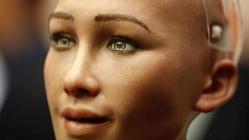 İlk robot vatandaş Sophia Türkiye'ye geliyor!