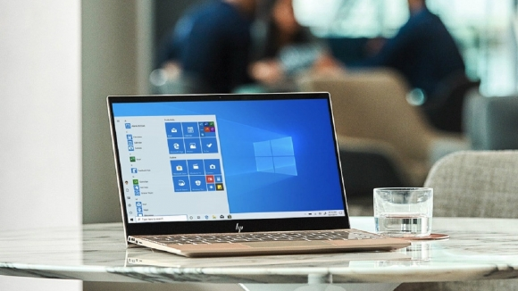 Windows 7 bitti! 10 dolara Windows 10 dönemi